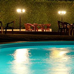 Accueil le chalet de la for t for Tarif piscine coque posee